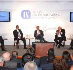 From left to right: Carlos Mesa, former president of Bolivia; Leonel Fernández, former president of the Dominican Republic; Dr. Daniel Zovatto, Regional Director of International IDEA; Ernesto Samper, former president of Colombia; Vinicio Cerezo, former president of Guatemala (Photo credit: Apolinar Moreno / FUNGLODE)