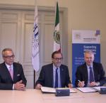 From left: Daniel Zovatto, International IDEA Regional Director for Latin America and the Caribbean; Agustín Gasca Pliego, Ambassador of Mexico to Sweden; andYves Leterme, Secretary-General of International IDEA at a signing ceremony between Mexico and International IDEA on10 OCtober 2017.